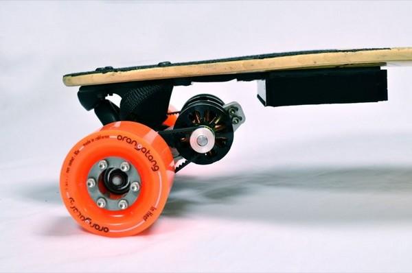 Скейтборд с электрическим двигателем от Boosted Boards