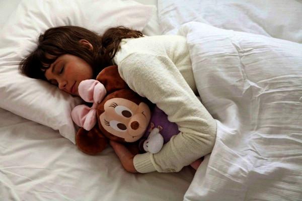 Hug and Dream Minnie для уютных объятий