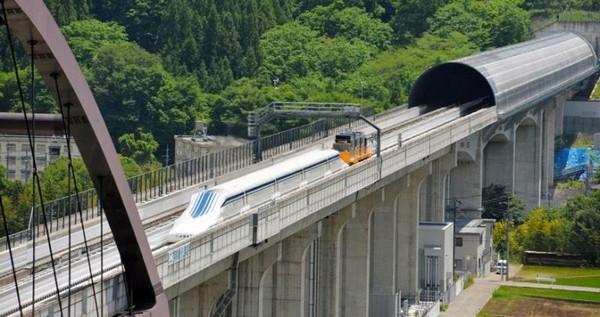 L0 – летающий поезд в Японии