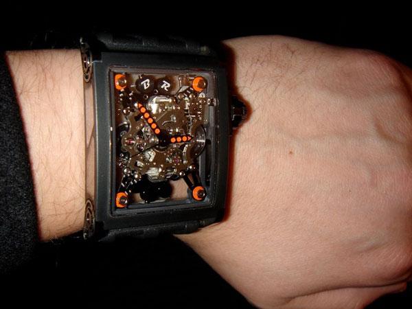 Часы B.R.M-Birotor - хронометражный характер