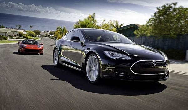 Замена батарей за 90 секунд. Новый рекорд от электромобиля Tesla