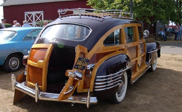 Роскошный деревянный автомобиль Chrysler Town & Country