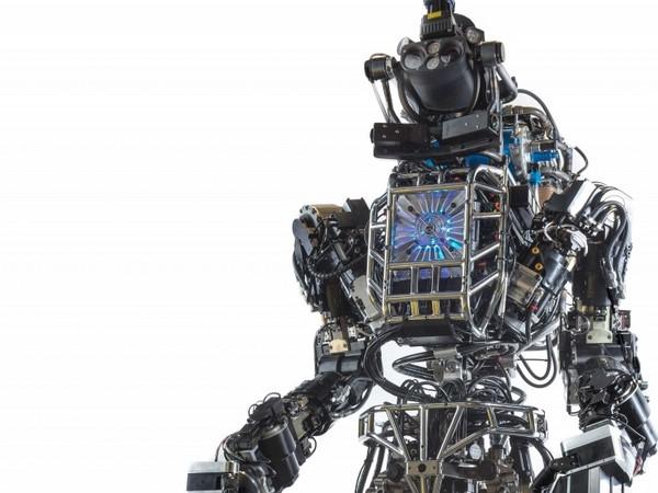 Робот Atlas от DARPA: первый настоящий терминатор