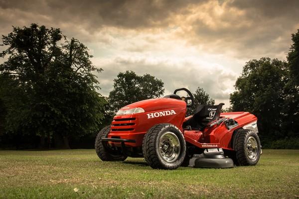 Honda HF2620 Mean Mower – самая быстрая в мире газонокосилка