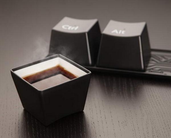Чашки в форме кнопок от клавиатуры