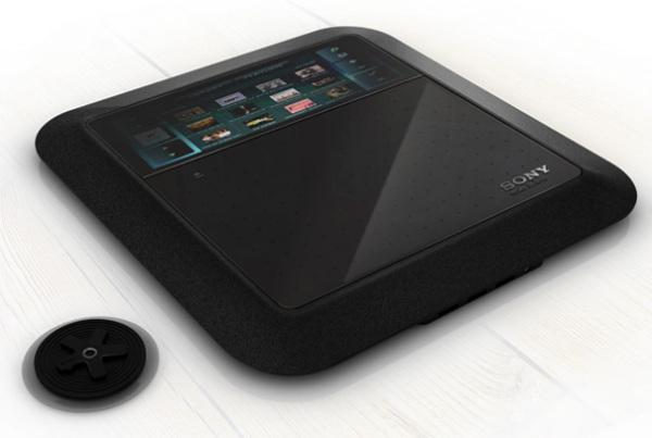 Sony Eclipse крепится к стеклу с помощью присоски, а фотоэлементы на корпусе обеспечивают постоянный заряд батареи в течение дня