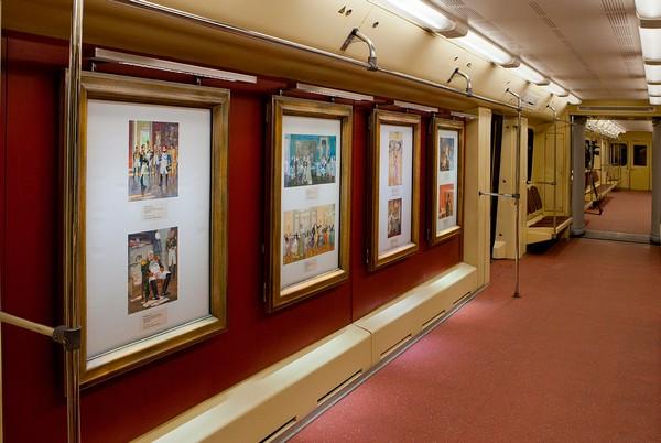 Акварель – поезд-галерея в Московском Метрополитене