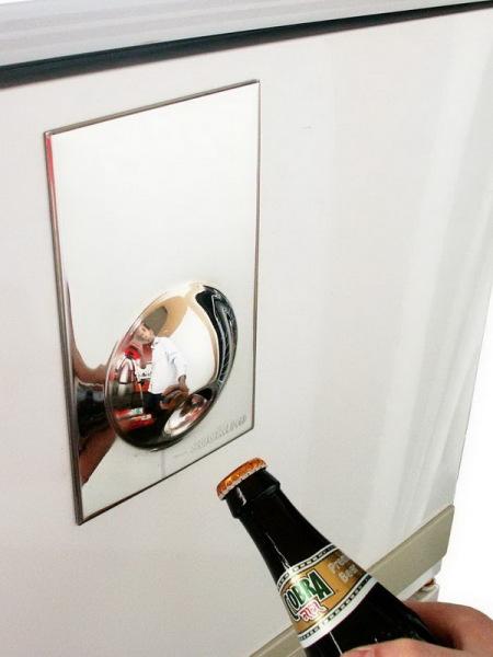 открывалка - магнит на холодильник