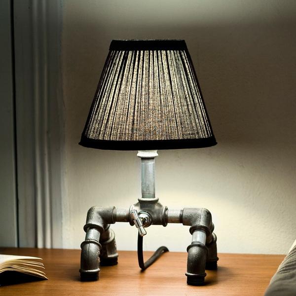 Настольная лампа Kozo из водопроводных труб