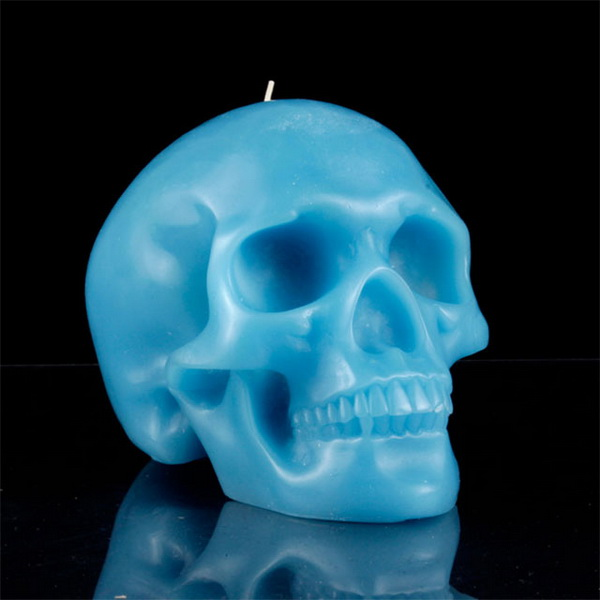 свеча в форме черепа
