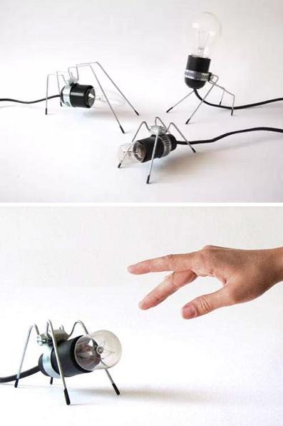 Лампочка-домашний питомец Bug Light' Pet Lamp от Omer Inbar