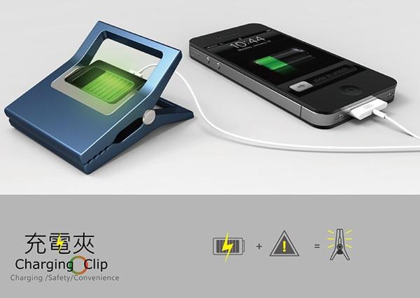 Charging Clip заряжает смартфон во время велосипедных прогулок