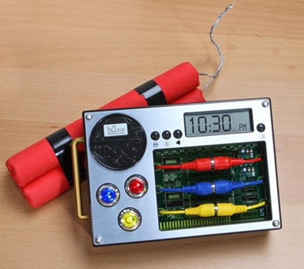 Будильник-'бомба' Dynamite Alarm Clock от Island Dogs