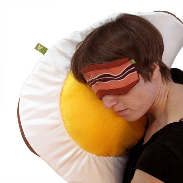 Подушка в форме яичницы