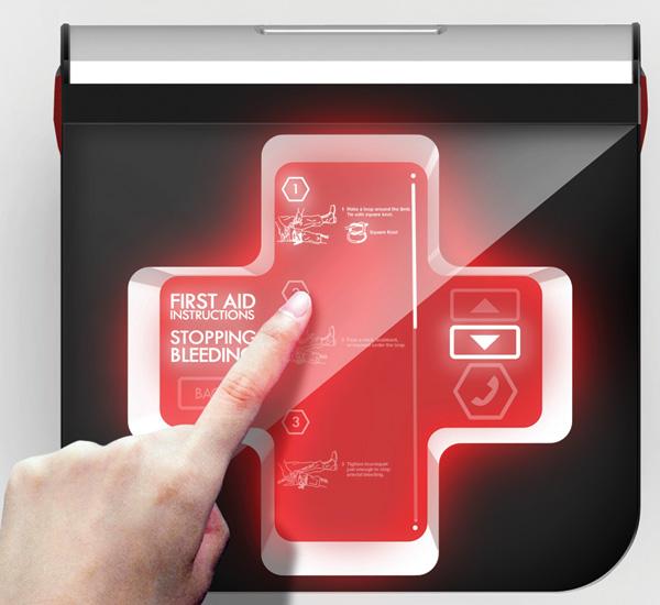 Аптечка оснащена LED-панелью, демонстрирующей инструкцию по оказанию первой помощи