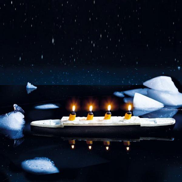 Свечи в форме легендарного «Титаника»