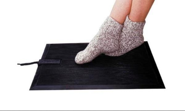 Обогревающи коврик для ног