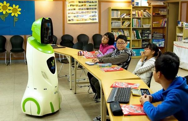 Робот-учитель в Корее