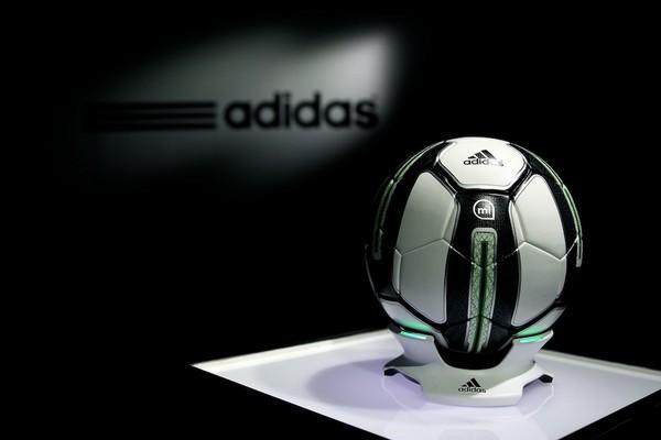 miCoach Smart Ball – «умный» футбольный мяч