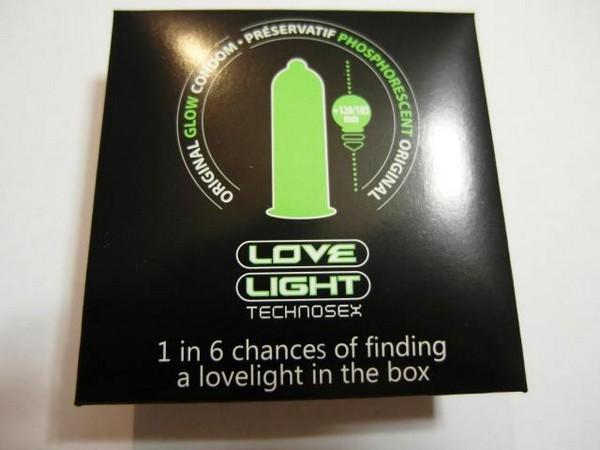 Презервативы Love Light, чтобы не потеряться в темноте