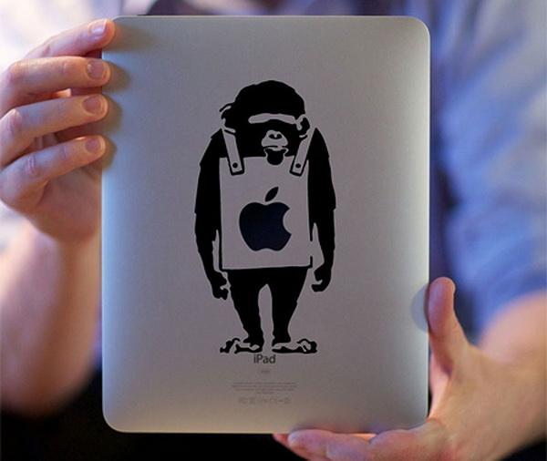 обезьяна в качестве наклейки на девайсе
