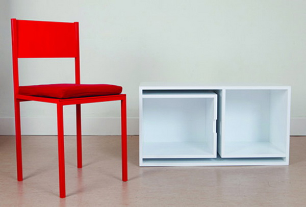 Книжный шкаф, в который вмещается 2 стола и 4 стула