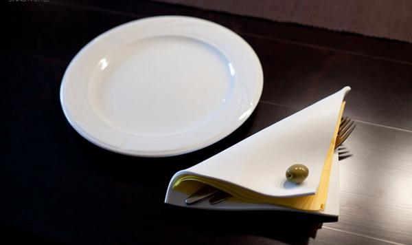 декоративная оливка в качестве держателя для салфеток