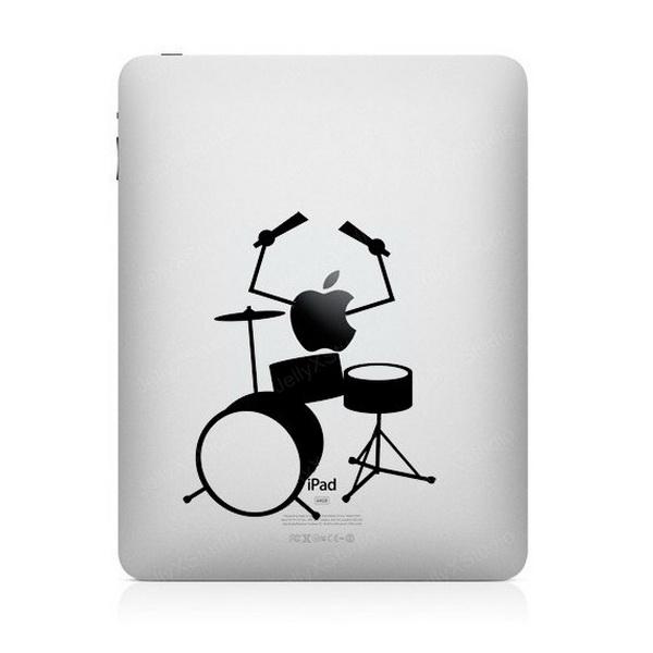надкушенное яблоко за барабанной установкой
