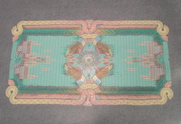 Коллекция оригинальных ковров, созданных из ложек и вилок