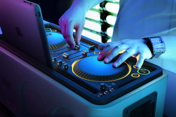 Philips M1X-DJ: DJ контроллер и звуковая система в одном флаконе