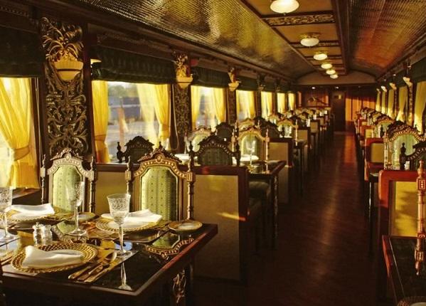 Ресторан в Maharajas Express