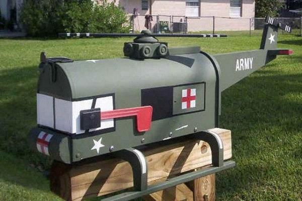 игрушки в роли почтовых ящиков