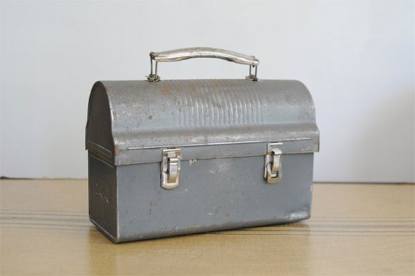 Металлическая коробка для завтраков