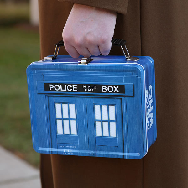 коробка для обедов, стилизованная под полицейский чемодан