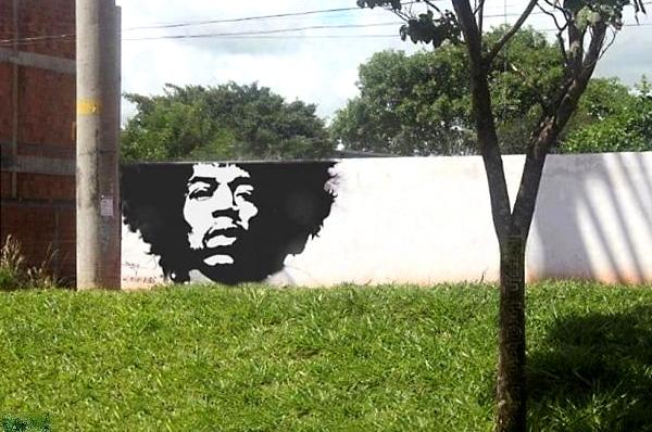 Великий Джимми Хендрикс (Jimmy Hendrix) в уличном граффити.
