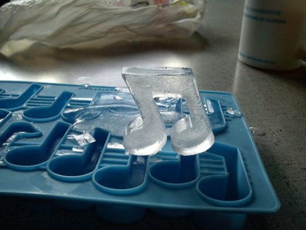 «Музыкальные» формочки для льда