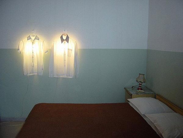 Светящаяся вешалка для одежды