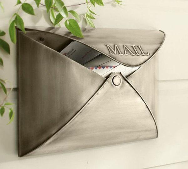 Почтовый ящик, имитирующий конверт