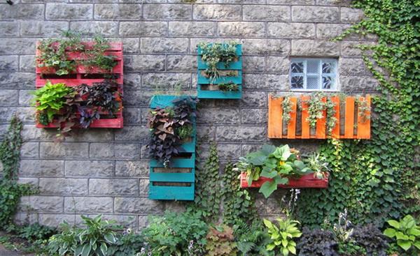 кашпо для цветов из деревянных поддонов