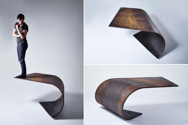 Poised: идеально сбалансированный стол из стали