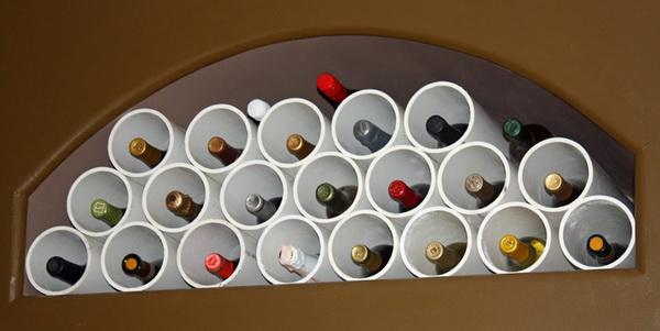 полка для винных бутылок из труб ПВХ