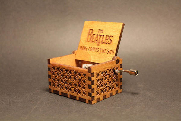 Битлз жив: музыкальная шкатулка, созданная к юбилею создания группы