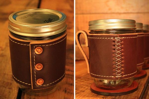 чашка с кожаным чехлом с ручкой
