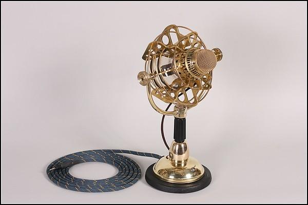 Золотой микрофон в стиле Steampunk