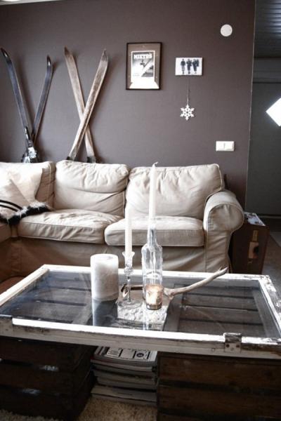 журнальный стол из деревянных ящиков