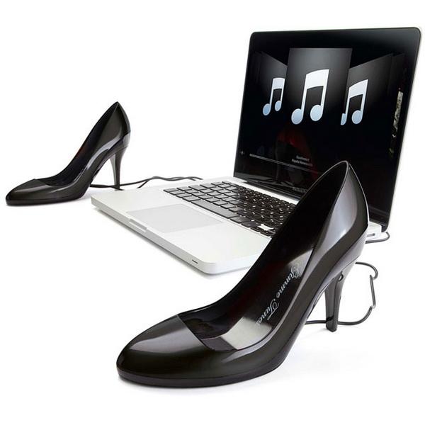 туфли в роли динамиков