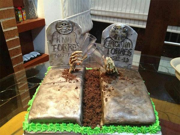 украшение торта в виде двух могил