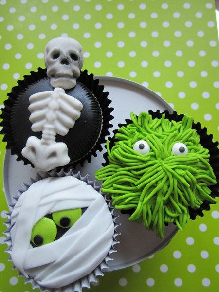 зомби и привидения на кексах