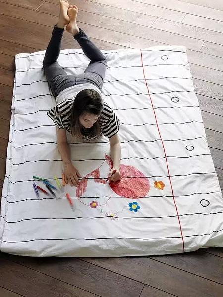 Пододеяльник Doodle Duvet Cover - необычное постельное белье для детей и взрослых, на котором можно и нужно рисовать