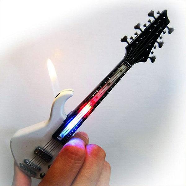 зажигалка в виде гитары с подсветкой